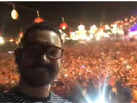 AY HALO! Aamir Khan takes groufie with Baroda fans during garba