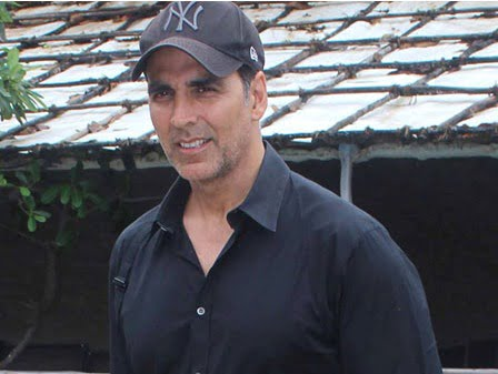You won't believe whose picture Akshay Kumar has in his wallet!