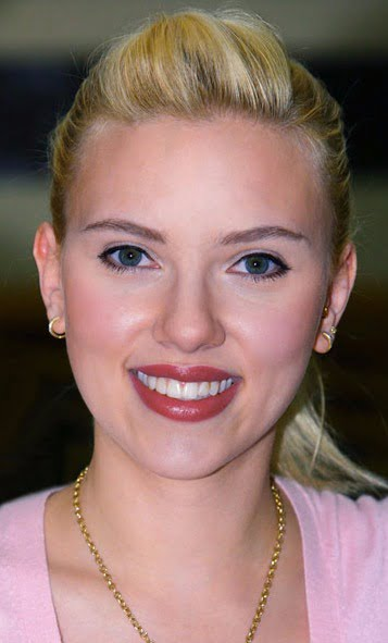 Johansson's cinema outing with former husband