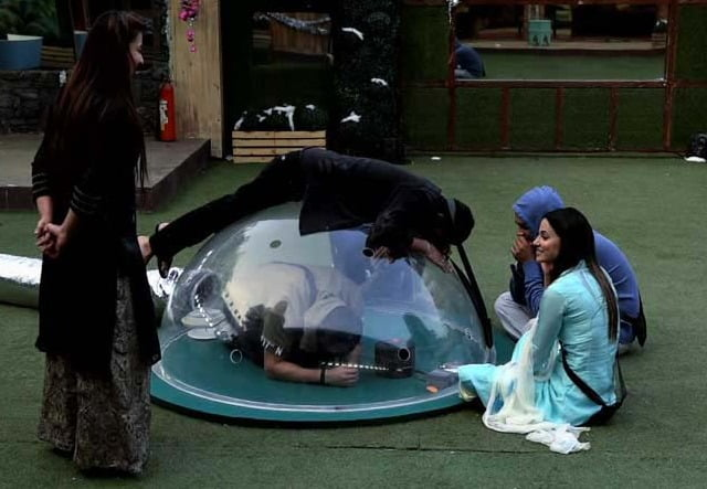 Bigg Boss 11: Day 61 - 42 Minutes and Counting in Bigg Boss Nomination Dome!