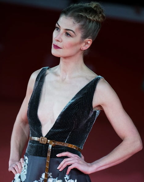 Rosamund Pike: HOSTILES is existential movie for me