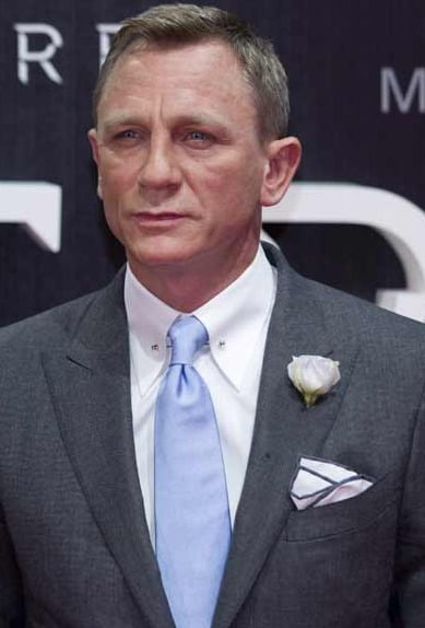 Daniel Craig's own 007 Aston Martin to be auctioned
