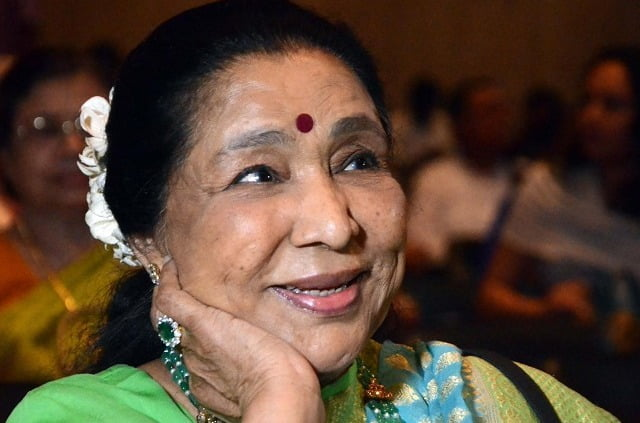 West Bengal government honours Asha Bhosle