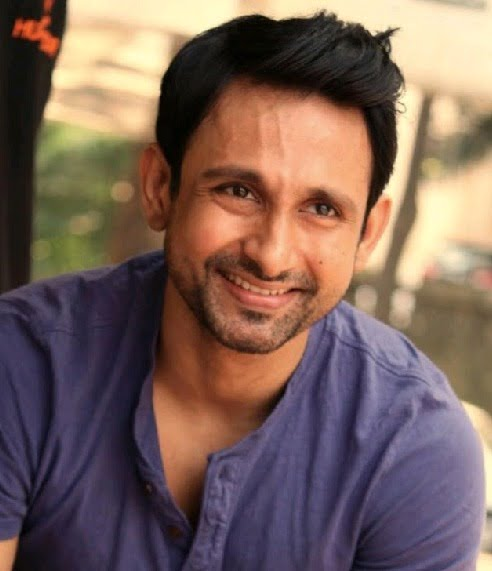 Actor-producer Nivaan Sen explores Lucknow for his first production