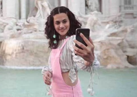Taapsee Pannu is holiday ready as she takes on Rome!