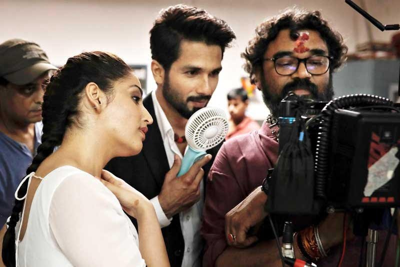 Yami and Shahid's candid photo is too adorable to be missed!
