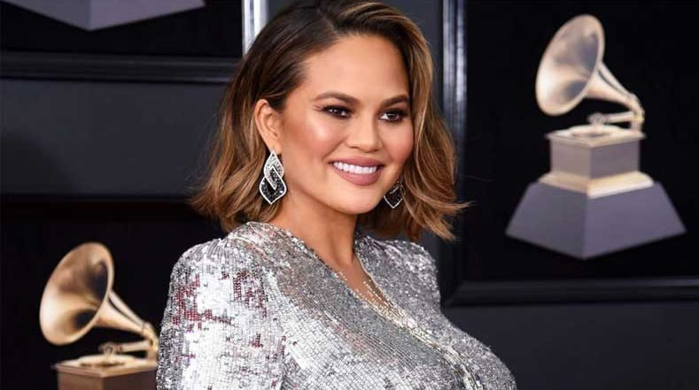 Chrissy Teigen's daughter gives her style advice