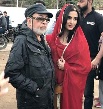 Sonal Chauhan candid picture with director JP Dutta