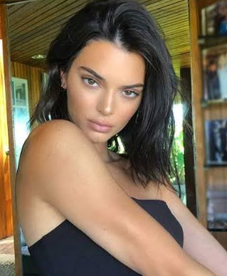 Kendall Jenner flies to Paris amid freak out during NYFW