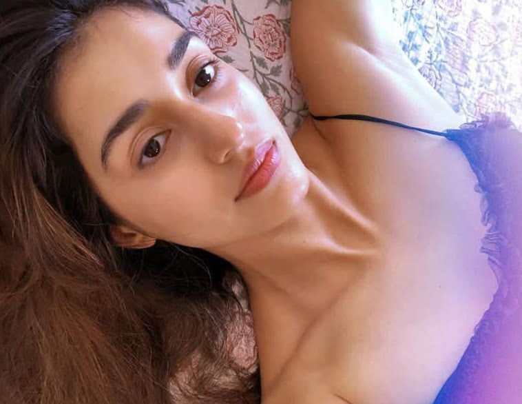 Disha Patani shares her cute image on social media for fans