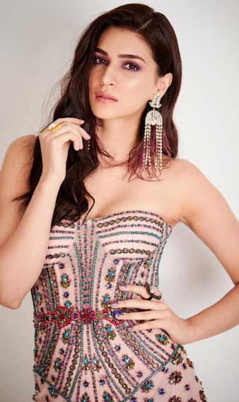 Here's what is keeping Kriti Sanon away from reading books