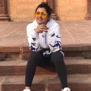 Party songs singer tag doesn't affect me: Aastha Gill