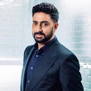 See what has Abhishek tells to the 'Happy New Year' cast