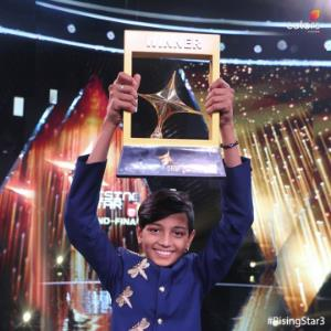 The winner of Rising Star wants to sing for this actor