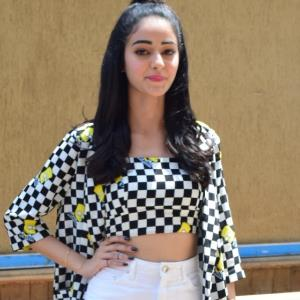 Ananya Panday brings back summer with a breezy sporty look!