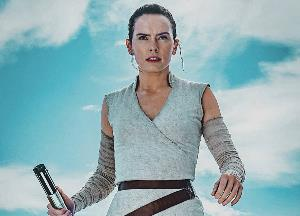 Know why Daisy Ridley gets stage fright?