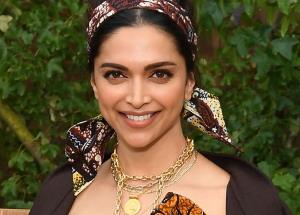Deepika Padukone sends personal invites for a party!