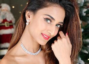 Erica Fernandes confesses that she is in love