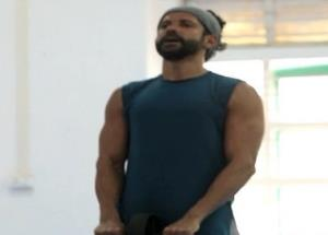 Farhan Akhtar signs out with his latest workout
