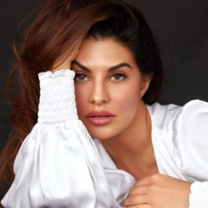 Jacqueline Fernandez is the cheerleader you all need in life!