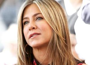 Jennifer Aniston takes a dig at the Marvel Cinematic Universe