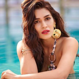 This is how Kriti celebrated her five years in industry!