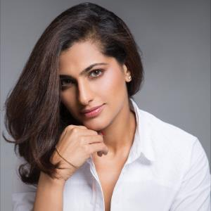 Kubbra Sait to host the grand music launch of 'GULLY BOY'!