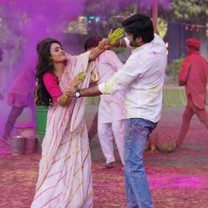 Will Holi bring back the colour in Madhav's life?