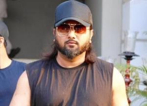 Honey Singh again falls to controversy for his latest lyrics