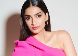 Sonam Kapoor Ahuja slammed for Pak comments, asks trolls to get a life