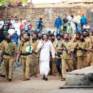 SONCHIRIYA - Bodyguards to protect dacoits from dacoits