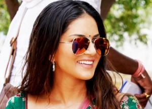 Sunny Leone goes De-Glam for her next