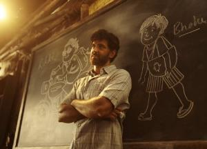 Hrithik Roshan gets nostalgic with the success of Super 30