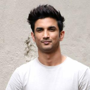 Sushant takes dance lessons from Shraddha