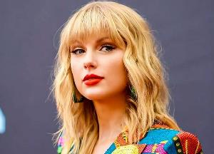 Taylor Swift blocked from using her old songs