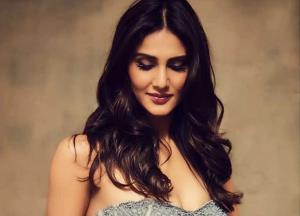 Catch Vaani Kapoor in the latest teaser of WAR