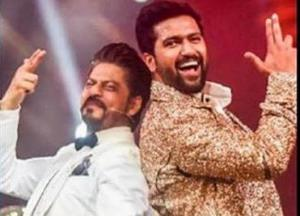 Vicky posts throwback pic with SRK, says dreams do come true