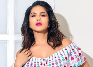 Why Sunny Leone doesn't want to share opinion on JNU violence?