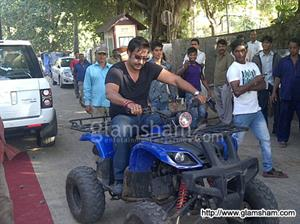 Ajay Devgn's new mode of commute to reach shooting location