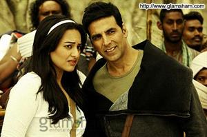 Akshay Kumar: It's very difficult not to get along with Sonakshi Sinha
