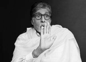 Amitabh Bachchan clarifies 'Home Quarantined' stamped hand not his