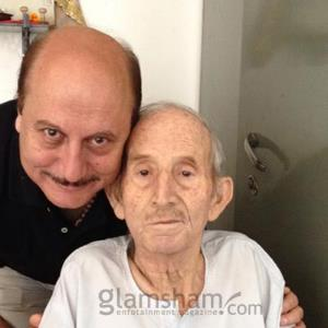 Anupam Kher does not mourn father's death, see why?