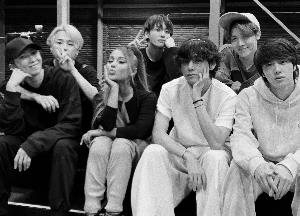 Ariana Grande shares a Grammy's rehearsal pic with BTS