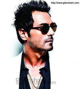 Arjun Rampal rubbishes reports about his souring relationship with SRK