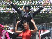 When 'Singh' Akshay Kumar made a 'Bling' entry on a tractor!