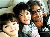 Hrithik Roshan didn't know how to introduce Shah Rukh Khan to his sons!