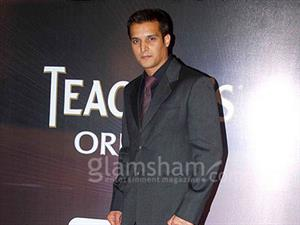 Jimmy Shergill Productions and Eros International launch trailer of SAADI LOVE STORY