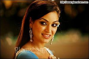 Maryam Zakaria happy to move from item songs to lead role