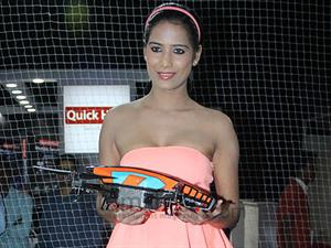 Poonam Pandey was supposed to star in Veena Malik's THE CITY THAT NEVER SLEEPS