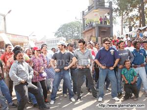 Salman Khan's DABANGG 2 huffs and puffs at BO; unlikely to reach 200 cr breakeven figure